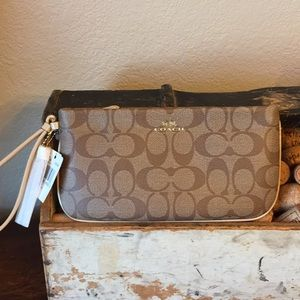 NWT Coach coated leather wristlet